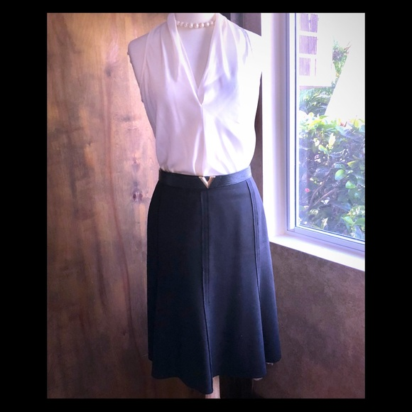 4b05cdcae4 Bergdorf Goodman Black wool flair skirt